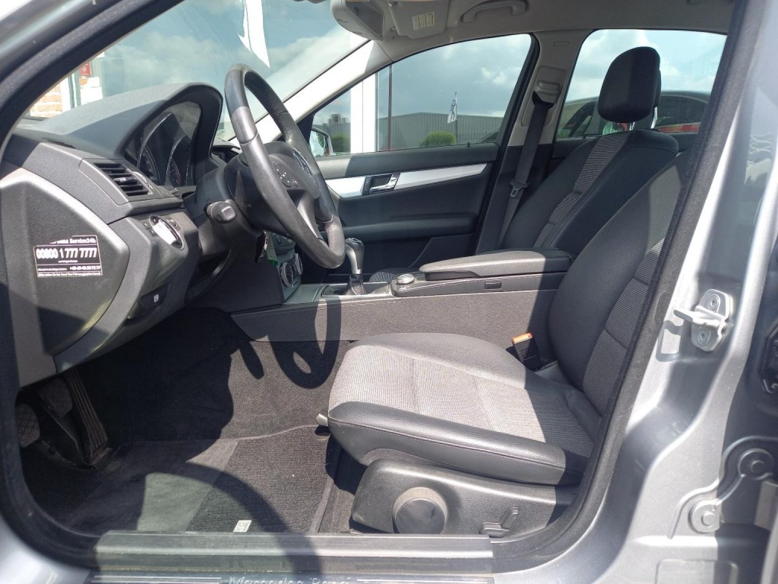 Mercedes-benz-200-6