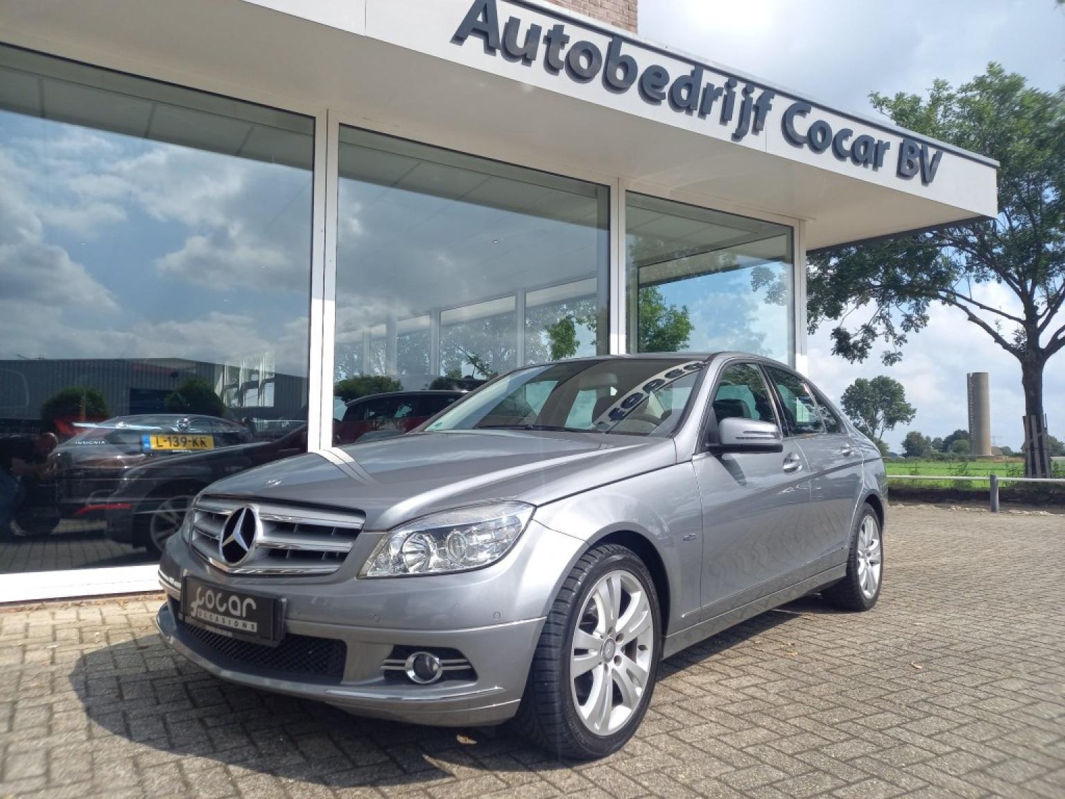 Mercedes-benz-200-0