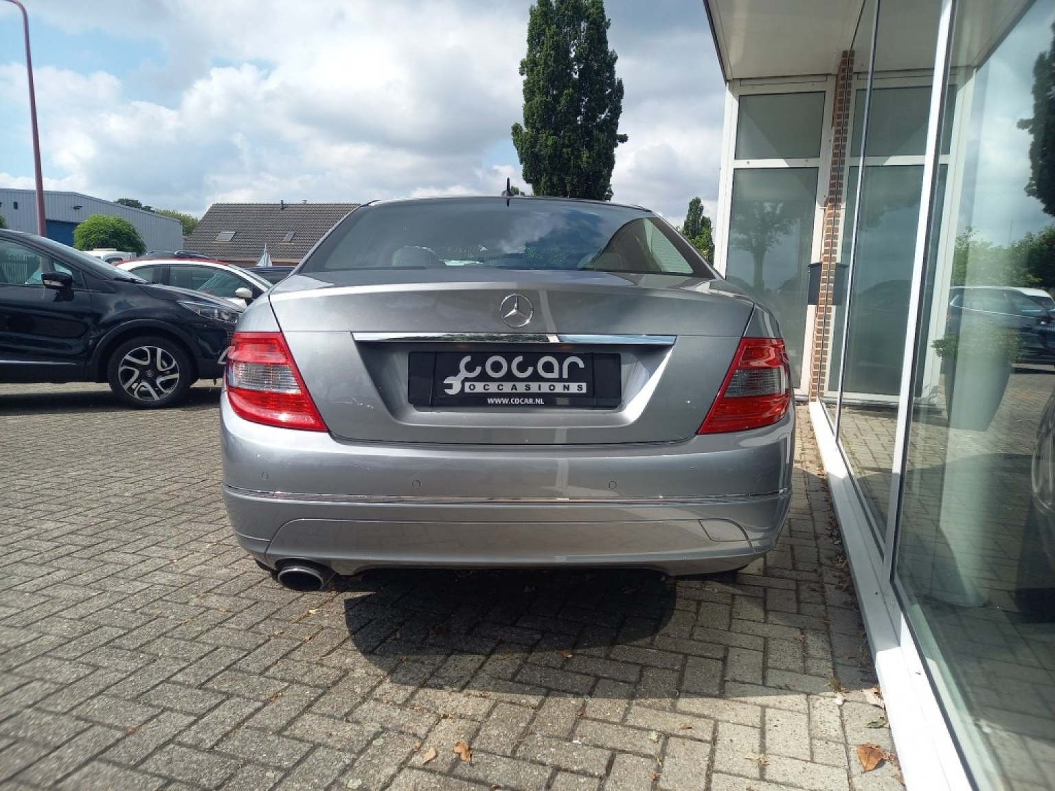 Mercedes-benz-200-3